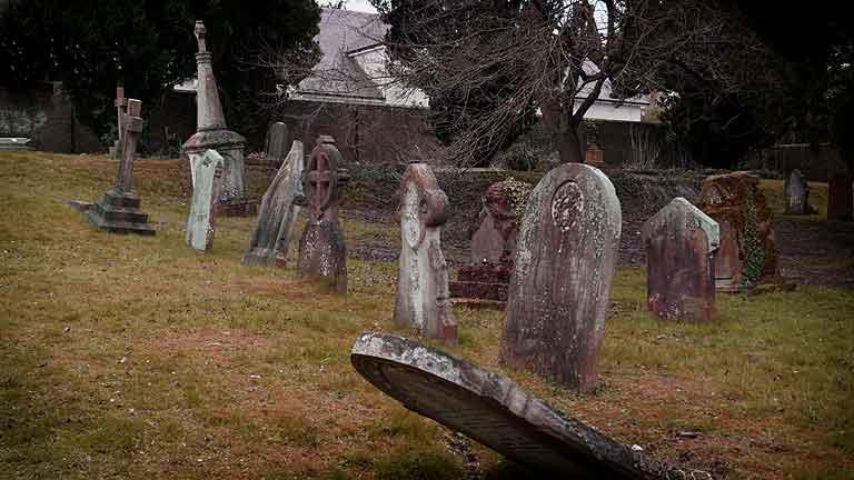 https://www.rectorylanecemetery.org.uk/wp-content/uploads/2018/12/memorial-decay-1.jpg