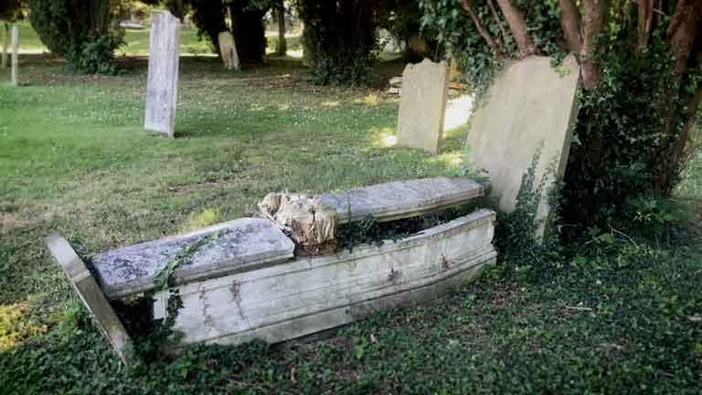 https://www.rectorylanecemetery.org.uk/wp-content/uploads/2018/12/memorial-decay-3.jpg