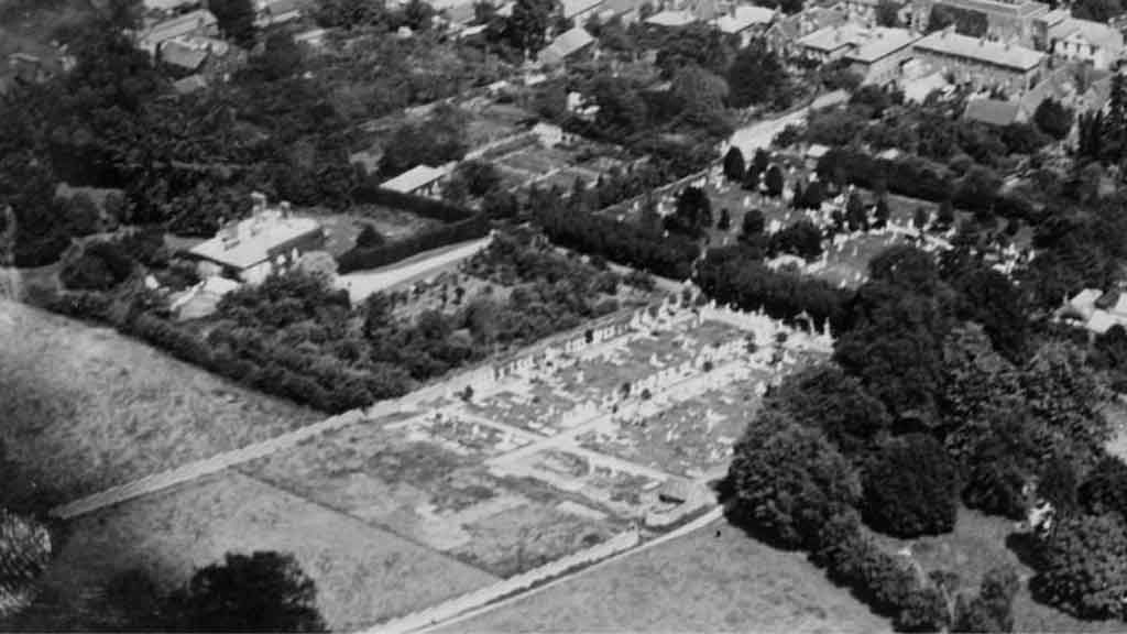 https://www.rectorylanecemetery.org.uk/wp-content/uploads/2019/01/1920-aerial-photo-1024x576.jpg